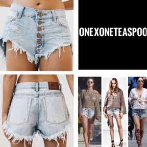 One Teaspoon Florence Roller Raw Hem Shorts   1342